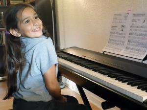 Julia-Mocioc-piano_lessons4